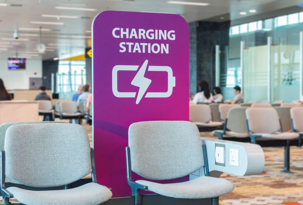 出國旅遊時使用公共充電器安全嗎?三個小提醒