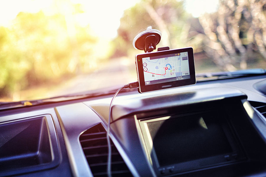 報告:聯網汽車能操縱交通號誌控制演算法, 塞車時間多 14 倍