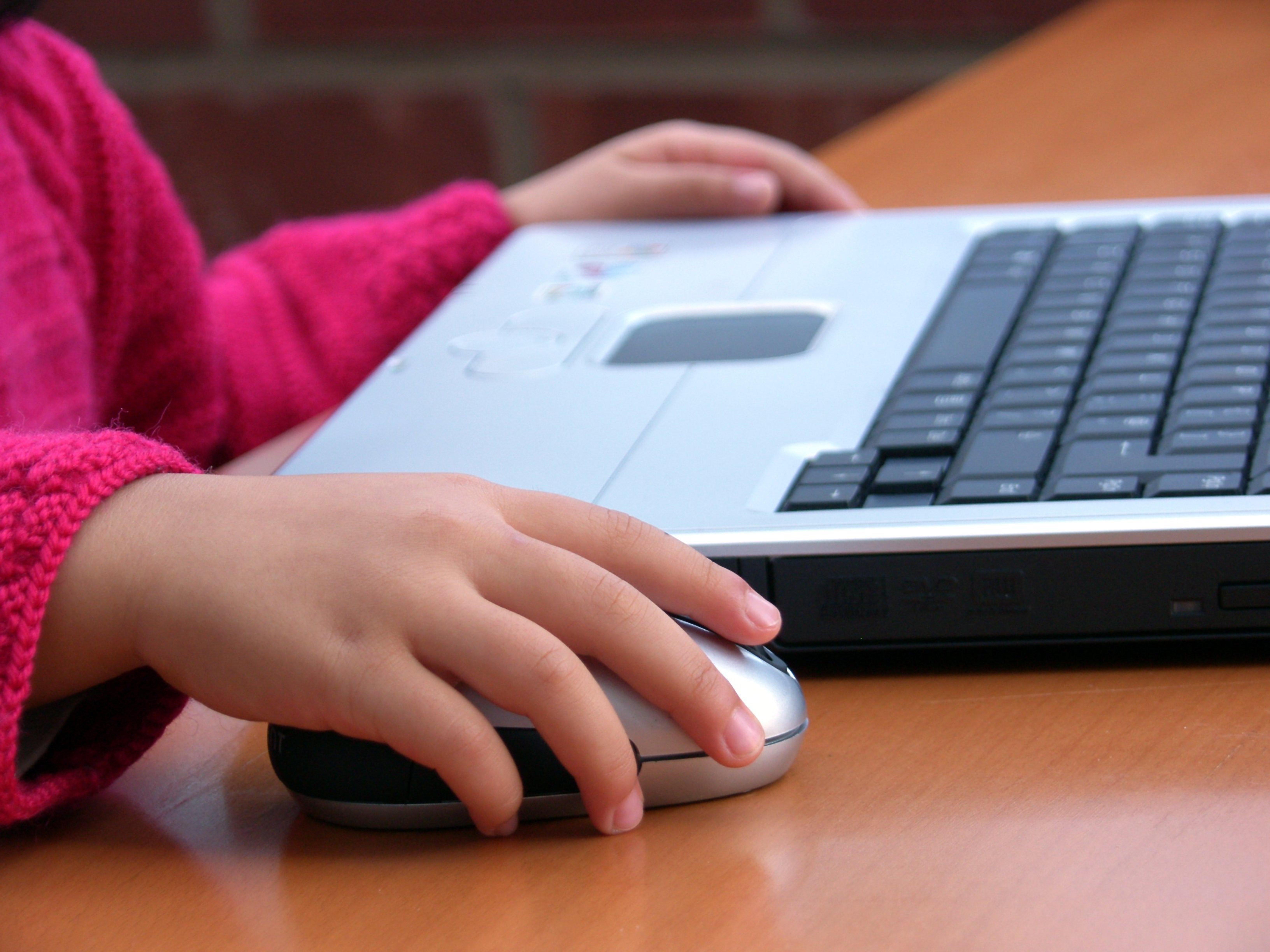 【父母指南】青少年如何打造與網路媒體的健康關係?四個案例分享