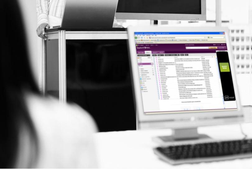 ICSA國際電腦安全協會報告指出,Melissa病毒事件,造成受害企業平均需耗費 24小時,以及 5 個專業工程師(人/天數)的人力來投入修復工作,而平均損失則高達1,750美元;同時,自Melissa事件開始,email 一躍成為主要的病毒傳播途徑,將病毒傳播模式及速度帶入新紀元。