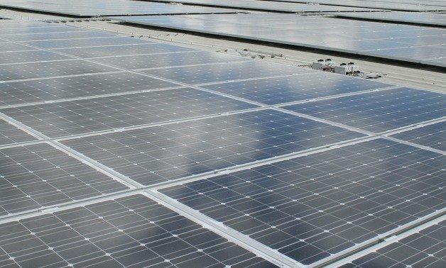 目前建設中的最大太陽能發電廠(Aswan附近的Egyptian Benban太陽能園區)估計耗資約40億美元,將於2020年投入使用