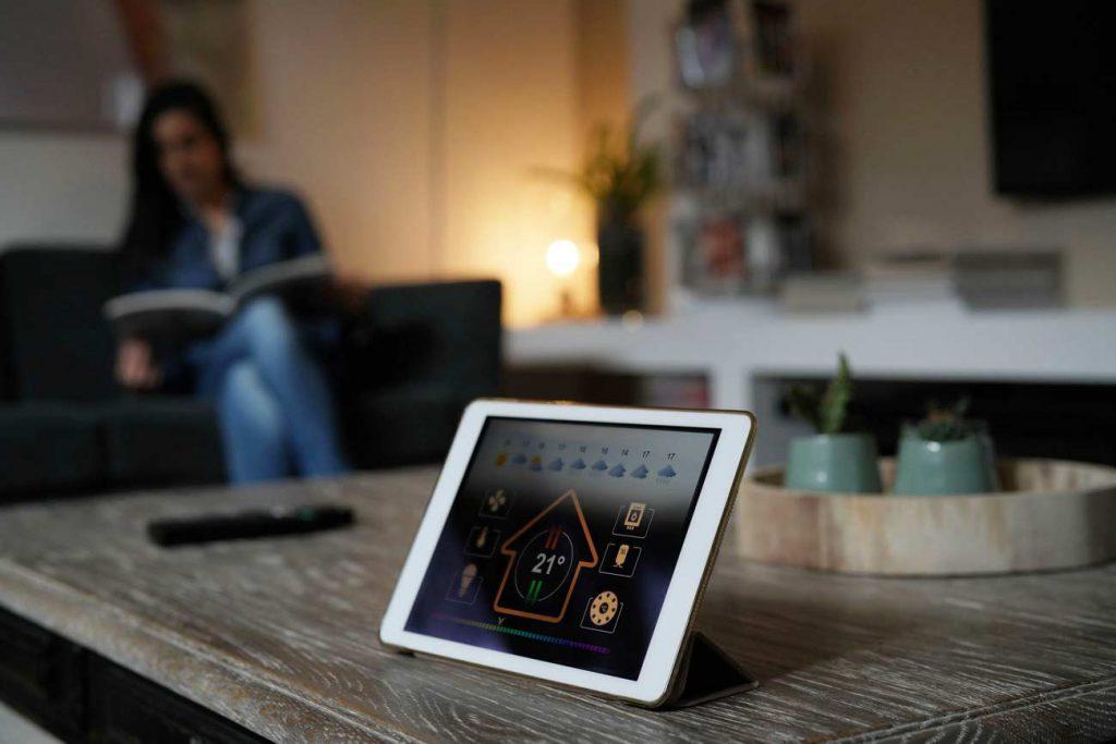 掃地機器人監視用戶!.....九種智慧家庭裝置可能面臨的威脅